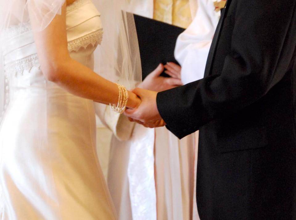 笑顔で別れて再出発を誓う「離婚式」が存在するらしい