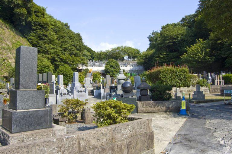 お墓の画像
