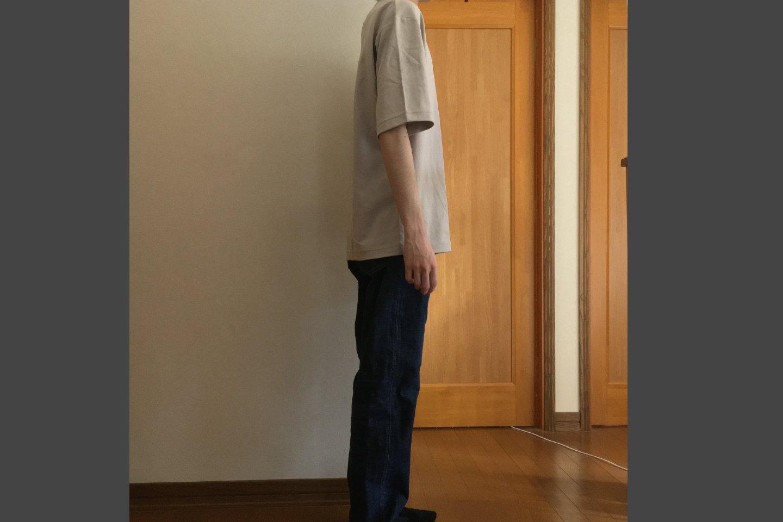 エアリズムコットンオーバーサイズTシャツのライトグレー着用画像(側面)