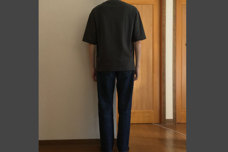 エアリズムコットンオーバーサイズTシャツのグレー着用画像(背面)