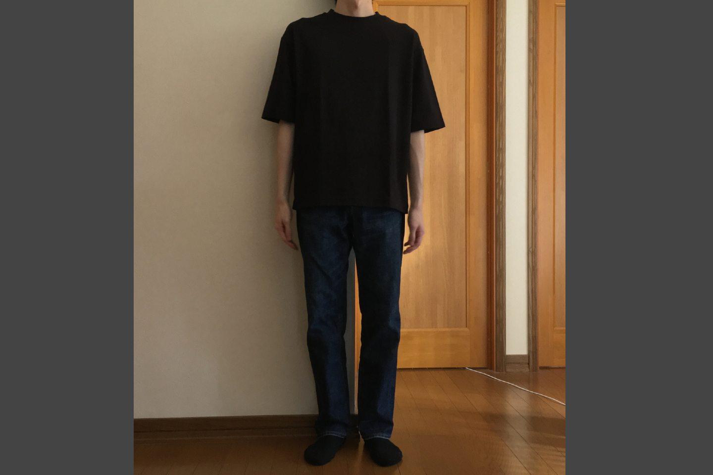 エアリズムコットンオーバーサイズTシャツのブラック着用画像(正面)